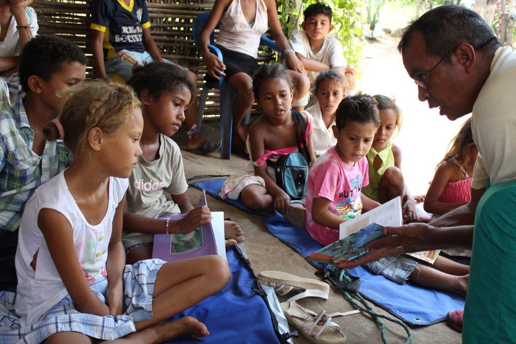 Los niños del Departamento Magdalena en jornada de Biblioburro
