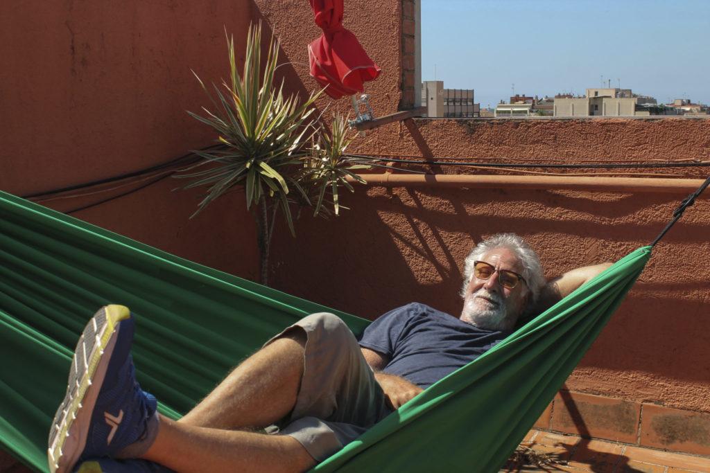 Foto: Lilian Rosales. Ricardo Benaim en su terraza de Gavá